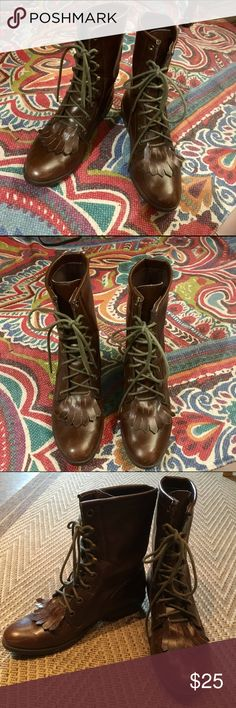 Urban Outfitters vintage style lace up brown boots Urban Outfitters reclaimed vintage brown lace up combat-style boots. Purchased awhile ago and have been collecting dust in my closet over the past few years. Still in great condition - never worn in the winter months. Size is not marked, but I wear a 6.5 and they fit wonderfully (with room for a chunky sock in the chillier months). Urban Outfitters Shoes Lace Up Boots