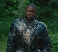 Sinqua Walls in costume as Lancelot on Once Upon A Time – Sea Monster on chest designed & carved by Azrael's Circus.