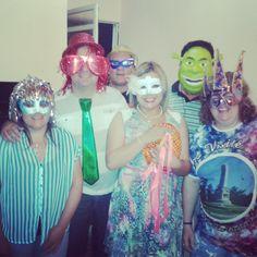 Con #amigos en #casa disfrutando la #noche pre #carnaval esto #notieneprecio y merece un #pulgararriba