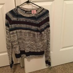 LOVE ON A HANGER: sweater gray color very cute Gray sweater very cute  NWOT love on a hanger Sweaters