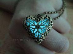 the Heart of Atlantis,Glowing Necklace,Glowing Jewelry,Glowing Pendant,Glow heart,Pendant Necklace,zelda heart necklace
