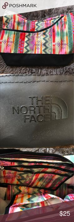 The North Face Sling Tote! Barely used! No stains or tears. The North Face Bags Totes