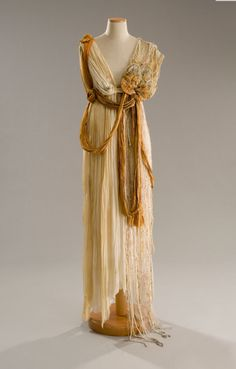 costume designs for midsummer night's dream | via whattheywore)Costume from A Midsummer Night's Dream, the 1999 ...