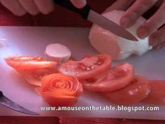 In this video tutorial you will learn how to make a tomato rose to decorate a plate, a platter or a savory cake. This garnish is easy and quick to do and is one of the basic techniques you must master if you are interested in garnishing.
