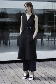http://www.style.com/slideshows/fashion-shows/resort-2016/sportmax/collection/19