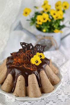 Bavareza cu ciocolata - CAIETUL CU RETETE Cooking Recipes, Baking, Cake, Desserts, Food, Tailgate Desserts, Deserts, Chef Recipes, Bakken