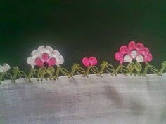 This Pin was discovered by Zey My Picot, Tatting, Lace Bunting, Loom Weaving, Faeries, Crochet Earrings, Wool, Create, Pattern