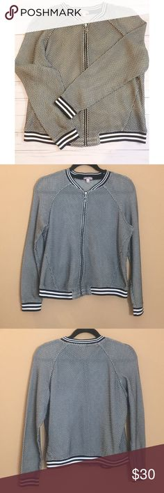 Juicy Couture Navy Mesh Knit Bomber Jacket This gorgeous mesh knit bomber zip up jacket from Juicy Couture is in like new condition with exception of tiny thread pull on sweater (see photo). Navy and white mesh woven cotton blend fabric with zipper front. Size Large. Fast shipping 💕 Juicy Couture Jackets & Coats