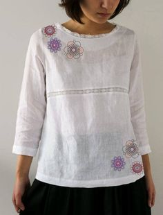 Flower Embroidery Designs, Floral Embroidery, Cotton Kurties, Simple Kurta Designs, Diy Clothes, Clothes For Women, Pakistani Formal Dresses, Embroidered Clothes, Embroidery Fashion