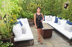 Pin for Later: Die Stars machen die New York Fashion Week noch modischer Selena Gomez bei der Modenschau von Polo Ralph Lauren