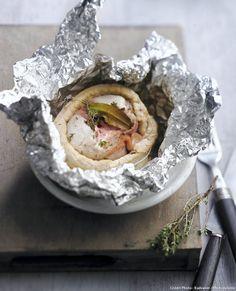 Lapin en papillote - Et en accompagnement, une purée arrosée avec le jus des paupiettes ou des frites de légumes : céleri ou patates douces, à faire revenir à la poêle dans un peu d'huile de pépins de raisin.