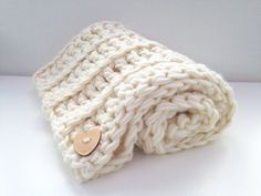 Luxury crochet kit - baby blanket, perfect for a beginner to crocheting. This kit will make you a super soft pure merino baby blanket, perfect