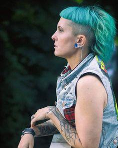 First shoot since 2 Months with @liberation.of.minds . . #punk #punx #punks #punknotdead #punkforlife #punkasfuck #punkrock #punkgirl #punkmom ##streetpunk #punksandskins #oioioi #punkrockqueen #tattooed #tattooedgirls #inkedgirls #inkedgirl #tattooedgirl #alternativegirl #alternativemodel #altmodel #tattooedmodel #greenhair #mullet #photography #streetstyle #streetwear #model #piercedgirl #girlswithmohawks