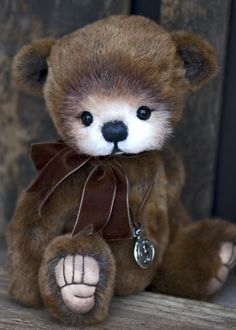 Three O'Clock Bears: CHESTER...and adorable little bear available