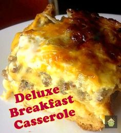 Deluxe Breakfast Casserole Using delicious Hash Browns! #breakfast #casserole