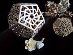 Modello di dodecaedro di design, in legno, tagliato  al laser e cnc. Geometria solida. Oggetto d'arte. di DragonHawk666 su Etsy