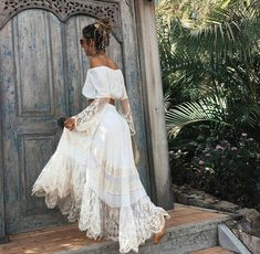 Gypsy. Bohemian. Long skirt, lace, white. Singoalla /off shoulder top
