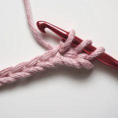 Petite Maille   Le crochet c'est pas ringard !: Leçon de crochet : la demi-bride Bride Crochet, Form Crochet, Crochet Stitches, Textiles, Sewing, Knitting, Diy, Pom Poms, Diy And Crafts