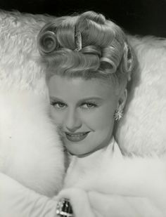 """""""Ginger Rogers in a publicity portrait for Week-End at the Waldorf - photo by Eric Carpenter"""" Hollywood Pictures, Old Hollywood Movies, Golden Age Of Hollywood, Vintage Hollywood, Classic Hollywood, Hollywood Style, Hollywood Regency, Classic Actresses, Actors & Actresses"""