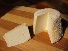 Making Crottin Style Cheese with Goat's Milk The following is our recipe for making 4 nice cheeses from a gallon of goat milk. The guide can be easily doubled by increasing the ingredients proportionate to the milk volume. 1Acidify & Heat Milk Begin...
