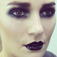 via@lanslondon Glossy skin and eyes dark combo #lanmakeup #masterclass