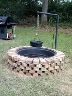 simple and cheap ideas for fire pit and garden design . - simple and affordable ideas for fire pit and garden design pits - Fire Pit Grill, Diy Fire Pit, Fire Pit Backyard, Fire Pit Cooking, Cheap Fire Pit, Outside Fire Pits, Brick Fire Pits, Design Jardin, Fire Pit Designs