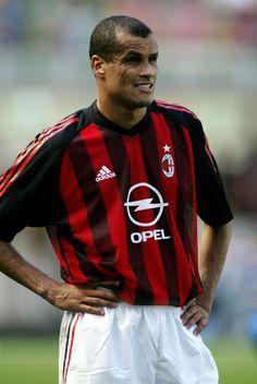 RIVALDO Vítor Borba Ferreira; (2002-2004)