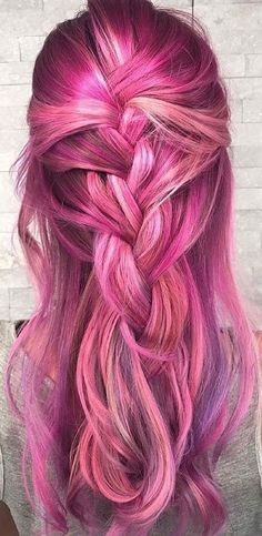 Beautiful Fuchsia Pink and Blue Mermaid Hair Hairstyles For many years, there has been an increasing fascination with the Pink and Blue Mermaid hair. Blue Mermaid Hair, Pelo Multicolor, Bright Hair Colors, Pink Lady, Coloured Hair, Grunge Hair, Tips Belleza, Crazy Hair, Rainbow Hair