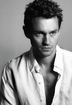 Hugh Dancy is my choice for Lancelot, Camelot imaginary remake