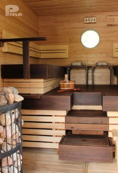 Great combination of dark and light wood Japanese Sauna, Japanese Bath, Modern Saunas, Mobile Sauna, Outdoor Sauna, Sauna Design, Finnish Sauna, Sauna Room, Spa Rooms