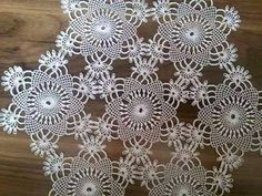 This Pin was discovered by HUZ Baby Hat Patterns, Crochet Flower Patterns, Flower Applique, Baby Knitting Patterns, Crochet Doilies, Crochet Flowers, Crochet Lace, Crochet Stitches, Free Crochet