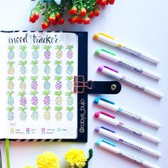 Dozens of Gorgeous Mood Trackers That Will Make Your Soul Smile Bullet Journal Diy, Organization Bullet Journal, Bullet Journal Inspiration, Bullet Journals, Journal Ideas, Arc Planner, Passion Planner, Erin Condren Life Planner, Happy Planner