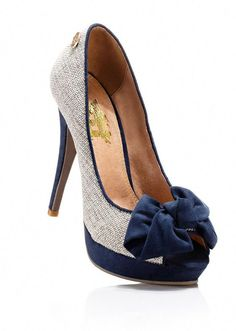 Trendy Platform Summer Shoes from 42 of the Awesome Platform Summer Shoes collection is the most trending shoes fashion this season. This Platform Summer Shoes look related to shoes, pumps, heels… Pretty Shoes, Beautiful Shoes, Cute Shoes, Me Too Shoes, Gorgeous Heels, Heeled Boots, Shoe Boots, Women's Shoes, Platform Shoes
