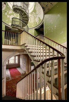 Western State Lunatic Asylum, Staunton, Virginia, opened 1828, closed 2002.