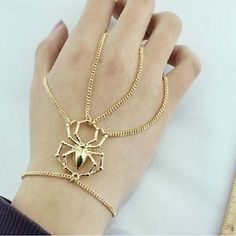 New-Gold-Thin-Spider-Pendant-Layers-Chains-Hand-Harness-Bracelet-Bangle-Ring