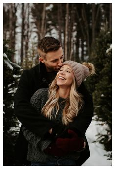 Winter Engagement Photos With Dog, Winter Couple Pictures, Engagement Photo Outfits, Engagement Photo Inspiration, Winter Photos, Engagement Pics, Christmas Engagement Photos, Winter Engagement Photography, Indian Engagement