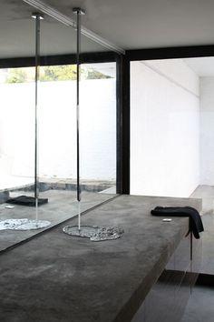 be architecten Concrete sink – Decoration Bathroom Inspiration icoon.be architecten Concrete sink icoon.be architecten Concrete sink Luxury Bathroom Vanities, Bathroom Design Luxury, Luxury Bathrooms, Bathroom Sinks, Concrete Sink Bathroom, Bathroom Ideas, Bathroom Inspiration, Bathroom Organization, Bathroom Lighting