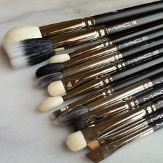 I own few Mac brushes-and believe me worth the hype.Actually i do not know how on Earth i was doing my make up without them.For example, you apply your foundation with one of these babes and your skin looks airbrushed. Mac Make Up, How To Make, All Things Beauty, Beauty Make Up, Diy Beauty, Love Makeup, Hair Makeup, Mac Makeup Brushes, Cosmetic Brushes