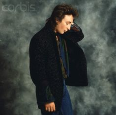Julian Lennon saw with America in Springfield with Laurie... she was soooooo in love with him.