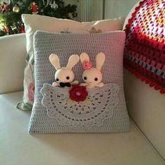 Crochet cushion cover, handmade cover in cotton and natura Crochet Cushion Cover, Crochet Pillow Pattern, Crochet Cushions, Crochet Stitches, Crochet Patterns, Pillow Patterns, Pillow Ideas, Crochet Amigurumi, Crochet Toys