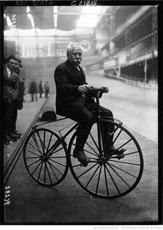 Charles Terront - Wikipedia, the free encyclopedia Velo Vintage, Vintage Bicycles, Velo Tricycle, Boutique Velo, Peugeot, Penny Farthing, Big Wheel, Power To The People, Cool Bikes