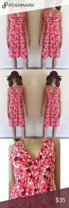 🌺 Red Floral Print V Neck Dress Red floral print V-neck dress by Ann Taylor LOFT. LOFT Dresses