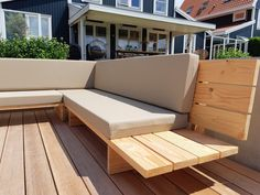 Diy Sofa, Diy Furniture Couch, Balcony Furniture, Outdoor Sofa, Modern Outdoor Furniture, Outdoor Pergola, Outdoor Spaces, Deck Seating, Outdoor Seating