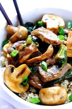 Ginger Beef, Mushroom & Kale Stir Fry -- easy, delicious, and ready to go in just 30 minutes! | gimmesomeoven.com