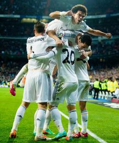 Real madrid Dream Boy, Real Madrid, Fans, Soccer, Videos, Sports, Life, Hs Football, Hs Sports