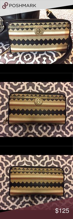 Tory Burch Wallet In good condition! Tory Burch Bags Wallets