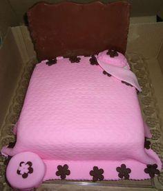 Bolo de Pasta Americana(Fondant) - Cake - www.docemeldoces.com
