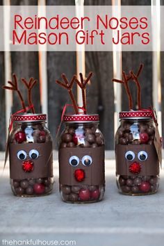 Creative Reindeer Inspired Crafts & Decorations for Christmas Reindeer Noses Mason Jar Gifts. Reindeer Noses, Reindeer Craft, Christmas Projects, Holiday Crafts, Christmas Crafts, Christmas Christmas, Christmas Stockings, Christmas Ideas, Christmas Globes