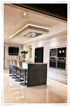 Modern Kitchen Interior 67 Amazing Modern and Contemporary Kitchen Cabinets Design Ideas Minimalist Kitchen Design, Kitchen Decor, Interior Design Kitchen, Farmhouse Style Kitchen, Home Decor Kitchen, Simple Kitchen, Kitchen Remodel, Modern Kitchen Design, Contemporary Kitchen