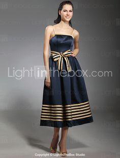 AGNETHA - Vestido de Coquetel em Cetim Elástico - R$ 268,87